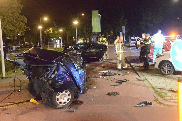 Ongeval Erasmusweg Den Haag zorgt voor grote ravage.