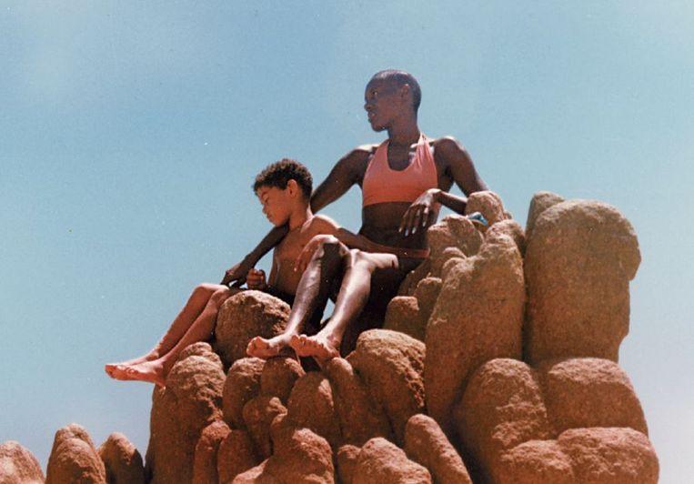 Grace Jones met haar zoon Paulo in Californië. Beeld Grace Jones Private Life Collection