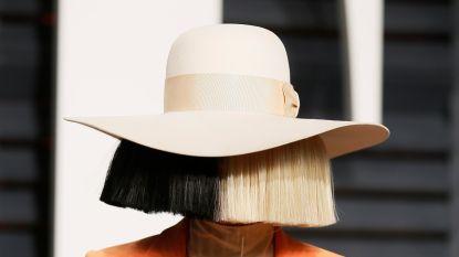 Sia is klaar met anonimiteit en gaat zonder pruik op stap