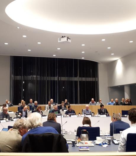 Raadsvergadering Almelo abrupt gestopt, driekwart raadsleden verlaat de zaal