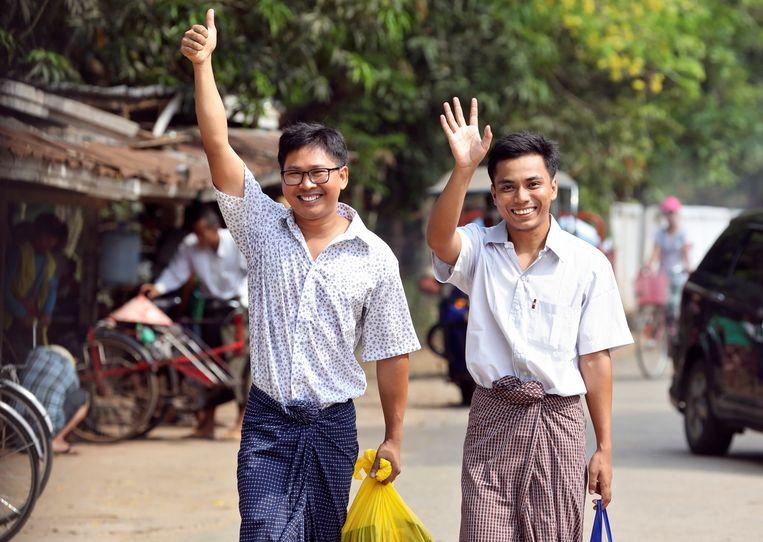 Wa Lone (33) en Kyaw Soe Oo (29) lopen als vrij man de gevangenis uit.
