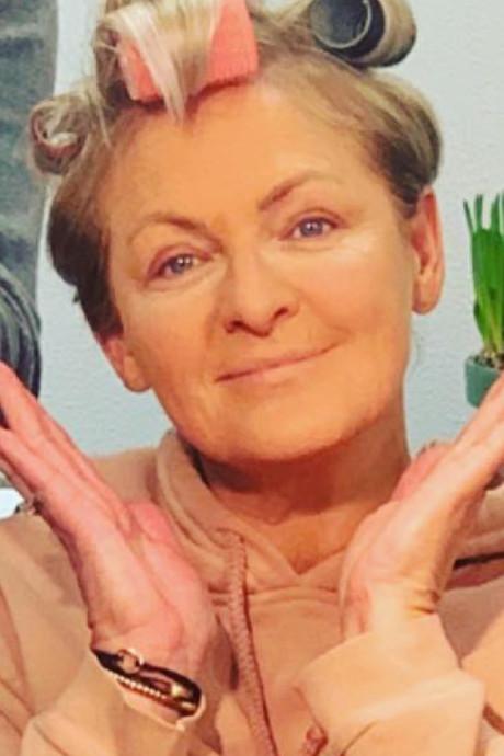 Caroline zonder make-up en 89-jarige moeder Gerard maakt smak op Gran Canaria