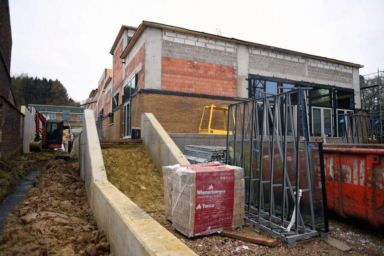 De werken aan de nieuwe school op de Leuvensebaan zijn al goed gevorderd.