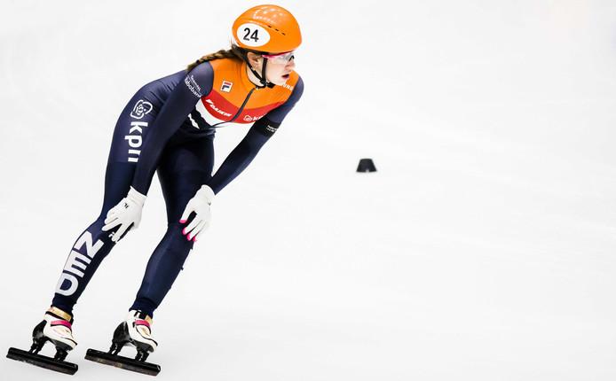 Suzanne Schulting traint voor de EK shorttrack.