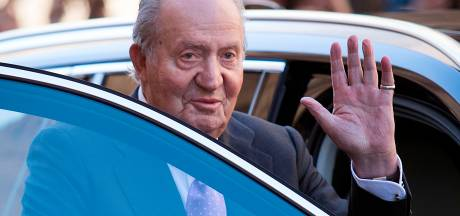 Van corruptie verdachte Spaanse ex-koning vertrekt uit Spanje