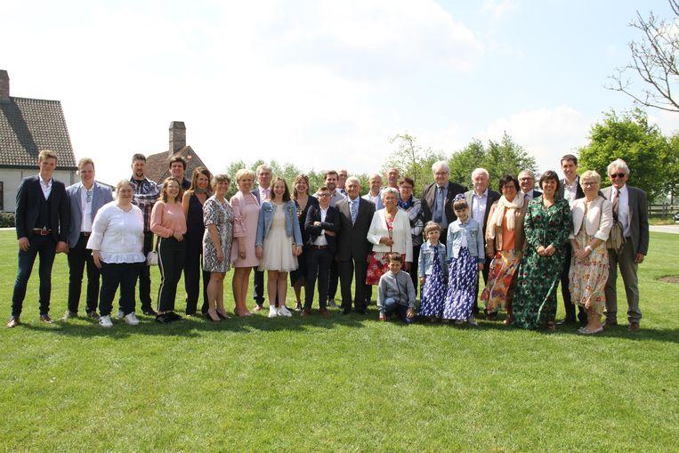 Albert en Irene vierden hun 65ste huwelijksverjaardag met hun familie, en ook het Pittemse schepencollege kwam op bezoek