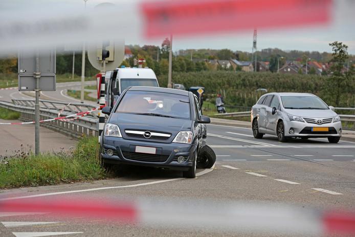 Onderzoek op de locatie waar een verdachte door de politie is doodgeschoten. Met de actie is een ontsnapping met een helikopter uit de gevangenis van Roermond voorkomen.