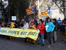 Tientallen demonstranten op Domplein voor Catalaanse zaak