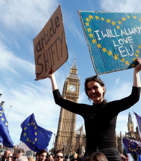 Brexit: tienduizenden betogers eisen nieuw referendum
