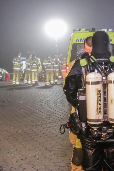 Schippers redden automobilist van verdrinkingsdood op Urk: 'Hij heeft puur mazzel gehad'