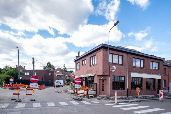 Werken aan café Barbok in Blaasveld