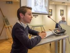 'Edelachtbare weledelgestrenge' Boaz (10) is de eerste kinderburgemeester van Reimerswaal