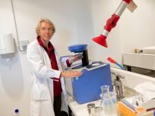 Poep is goud voor de ecoloog in het Wageningse lab van NIOO