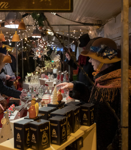 Donkere wolken boven Dickens Fair in Bennekom