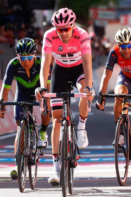 IJzersterke Dumoulin zet grote stap richting Giro-zege