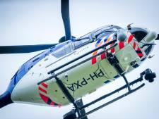 Vrouw (78) met paars-zilveren fiets vermist in Kampen, politiehelikopter cirkelt boven de stad