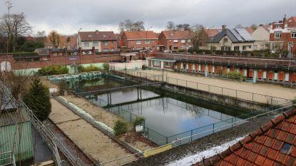 Nieuw zwembad of toch maar Dikkebusvijver?