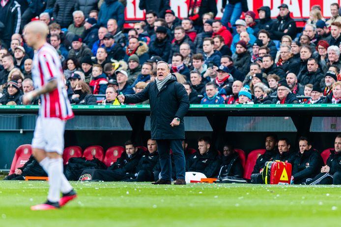 Trainer Dick Advocaat tijdens het duel van Feyenoord met Willem II.