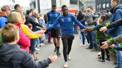 Club hervat training voor honderden supporters