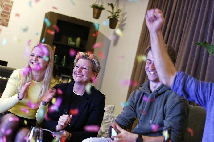 BALANS-kopstuk Mariëlle van Alphen was gisteren tevreden. Haar partij werd de grote winnaar. Nu nog een coalitie vormen.