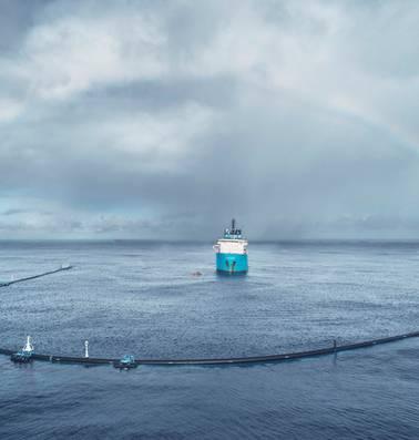Plasticvanger van Boyan Slat beweegt te langzaam en vangt daardoor geen plastic