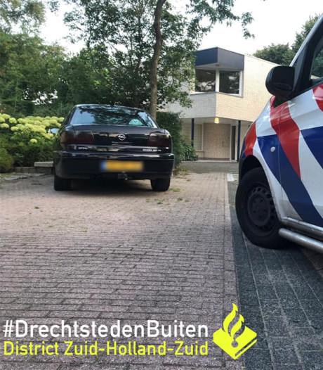 Bestuurder vlucht voor politie vanwege openstaande boetes maar wordt alsnog opgepakt in Papendrecht