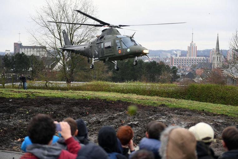 Twee leerlingen van De Wijnpers hadden het geluk een vlucht te mogen maken in de A109 helikopter van de Luchtmacht.