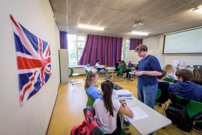 De onderwijsinspectie gaat onderzoek doen naar alle acht vestigingen van De School voor Persoonlijk Onderwijs. Op de foto een klas in Utrecht.
