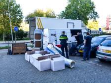 Politie vindt bestelbus vol spullen voor een wietkwekerij