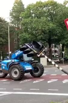 Verhuurder verreiker waarmee stoplicht werd geramd doet aangifte van joyriding