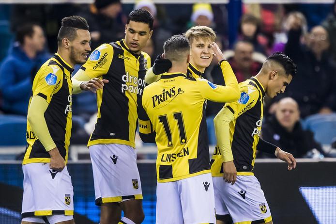 Vitesse viert de treffer van Ødegaard.