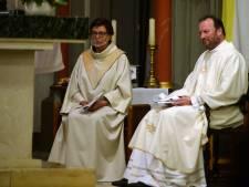 Pastoor Jansen begint aan een nieuwe opdracht in de parochies Hengelo, Hof en Borne: 'Kerken sluiten, maar we moeten niet bang zijn voor de toekomst'