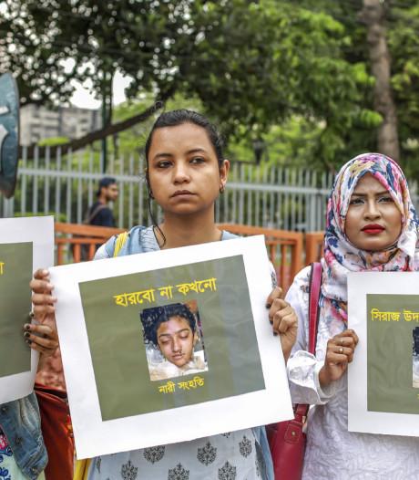 Scholiere in brand gestoken na beschuldigen schoolhoofd van wangedrag: 17 arrestaties
