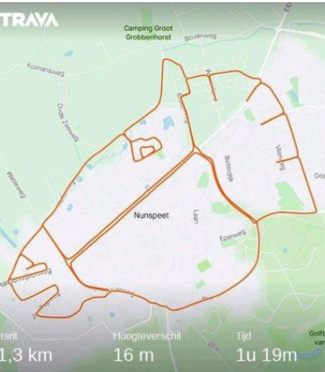 Hoe Johan Riezebos een paardenhoofd fietst op de plattegrond van Nunspeet