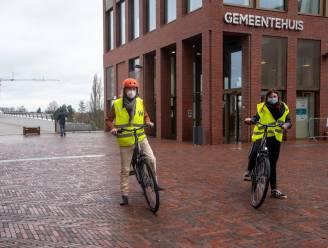 Gemeente koopt zes elektrische deelfietsen en bakfiets voor personeel aan