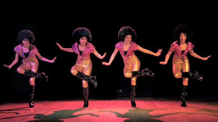 De 'Clap Clap Sound' is opnieuw gelanceerd met een aanstekelijk dansje en een bijhorende videoclip.