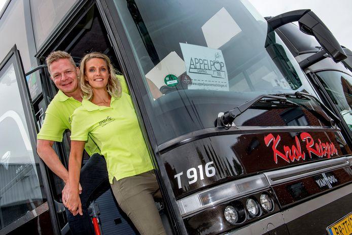 Patrick en Chantal Hol van Krol Reizen verzorgen al jarenlang het transport van Appelpop festivalgangers van camping naar festivalterrein en terug