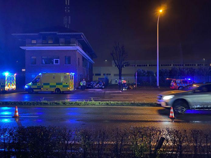 Aan de Haachtsesteenweg in Melsbroek is vrijdagavond een persoon om het leven gekomen bij een ongeval.