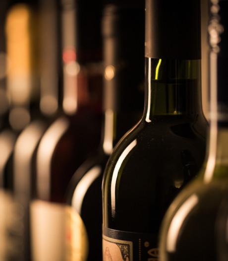 Duur ongelukje: fles wijn van 2.500 euro aan diggelen