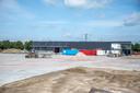 Volkswagen Pon Financial Services bouwt een nieuw complex op Hessenpoort. Hier komen straks continu 1.500 auto's te staan. Ex-lease, bedoeld voor autodealers om over te nemen. De bouw is inmiddels begonnen.