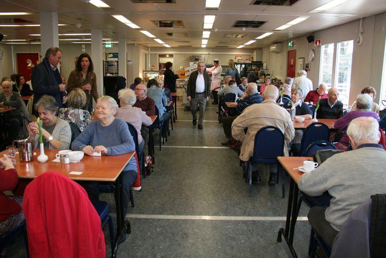 Kapelse senioren voelden zich onmiddellijk thuis in het tijdelijke dienstencentrum.
