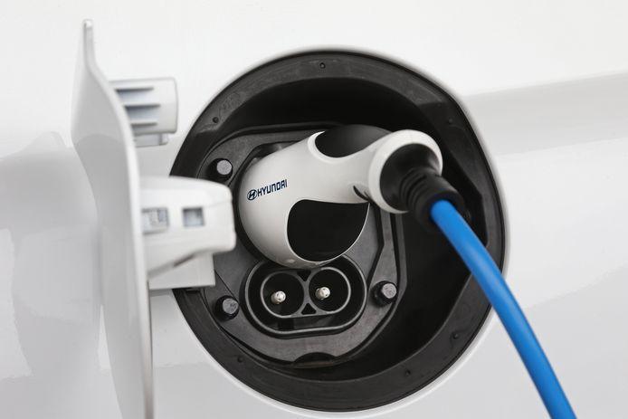 Snellader kan de Ioniq met maximaal 100 kW