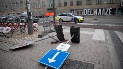 Rukwinden bereiken Antwerpen: verkeersborden omgewaaid in Plantin en Moretuslei