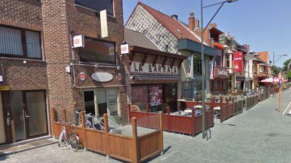 Twintiger takelt slachtoffer zwaar toe bij straatroof in Corbiestraat