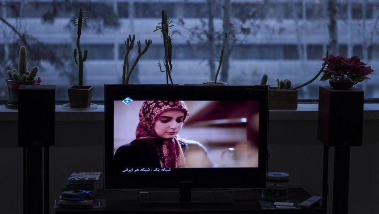 En toen was er ineens een Mooie Vrouw op tv. Beeld Newsha Tavakolian/Magnum