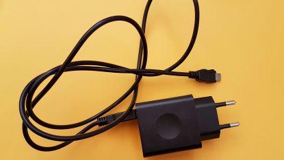 """Helft van goedkope USB-laders is onveilig: """"Gevaar voor elektrische schokken en brand"""""""