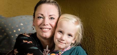 Jolanda uit Enschede werd gered uit zinkende auto: 'Ik sta nu anders in het leven'