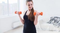 VIDEO. Een work-out van 7 minuten heeft al een positief effect op je gezondheid. Bekijk hier de training voor je bovenlichaam