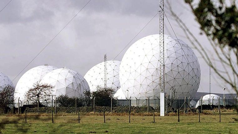 Britse Geheime Dienst Luistert Britten Af Via Buitenland