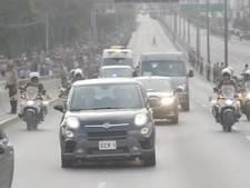 Paus krijgt lekke band tijdens bezoek aan Peru